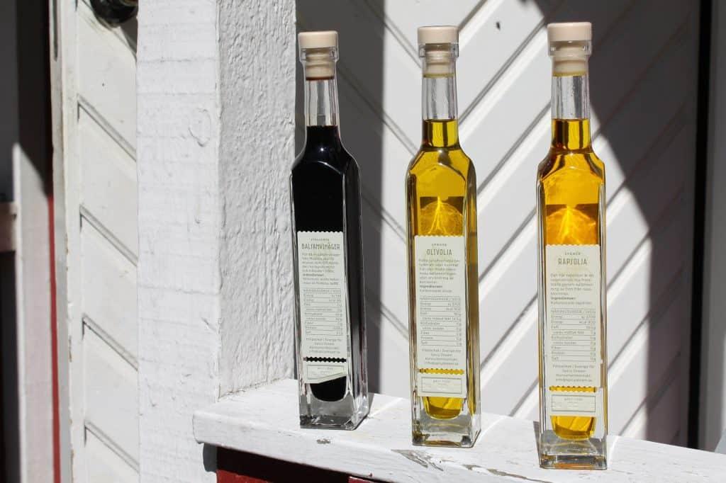 3 bottles of vinegar